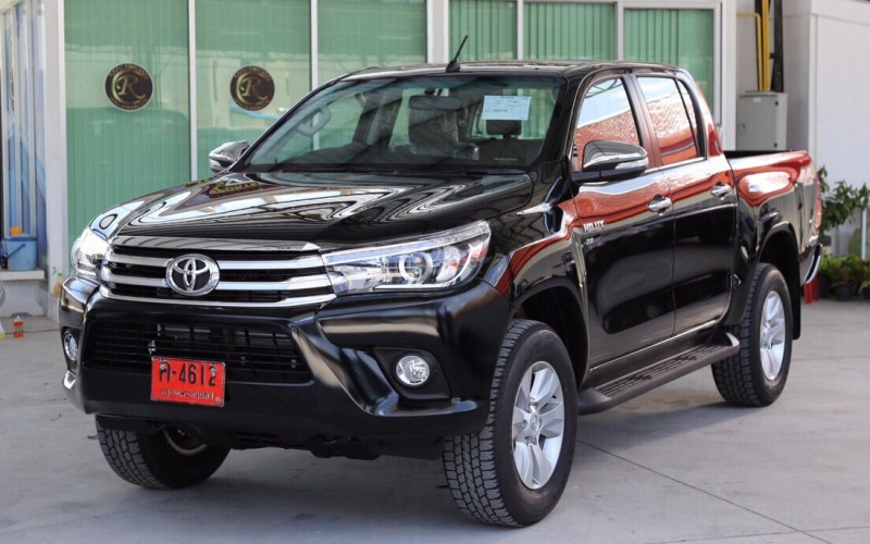 TOYOTA HILUX REVO BLACK COLOUR